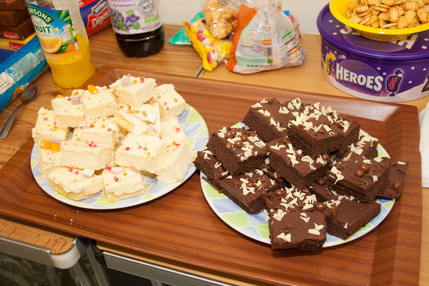 Summer Reading Scheme Record-Breakers Cakes